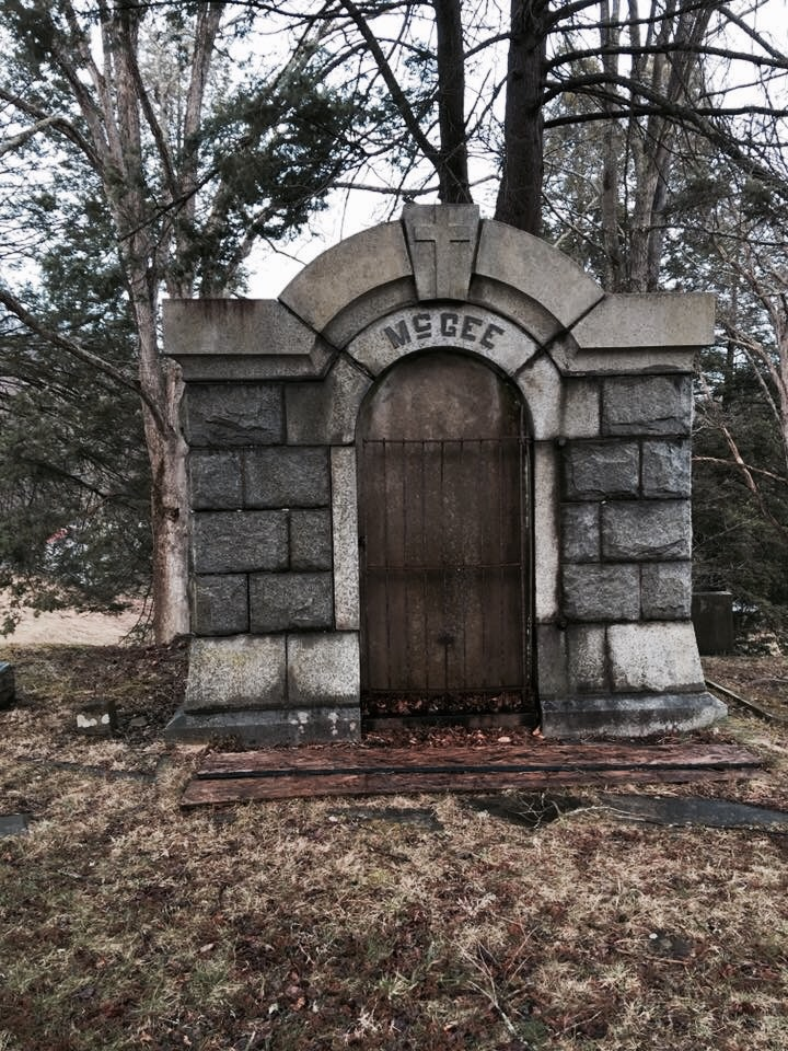 a chilling experience in the haunted cemetery